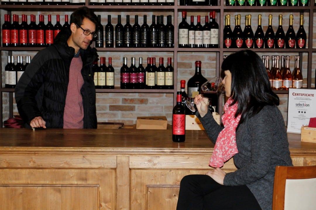 tour dello shopping e degustazione vino con Isabella Bariani, guida professionista in Veneto, Italiasionista