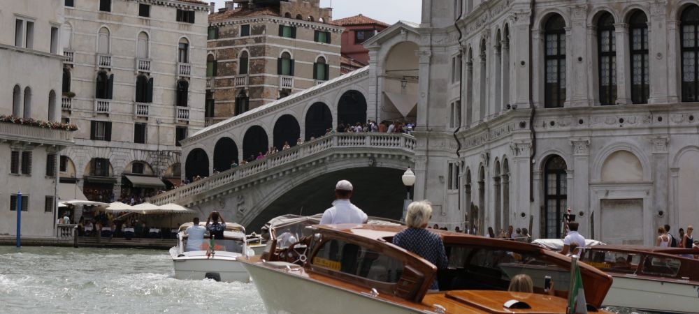 One hour boat tour with licensed guide, explore venice from the water. private water taxi to cruise the grand canal and small rios