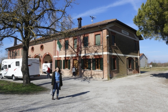 Rice factory, a walnut grove, and a chocolate factory to visit with Isabella, licensed Venetian guide