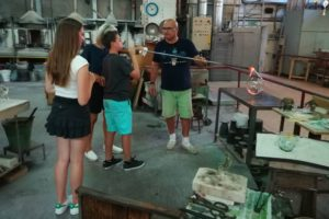 Glassblowing during a visit tu Murano, Burano and Torcello island. Private boat tour with Isabella professional guide in Venice
